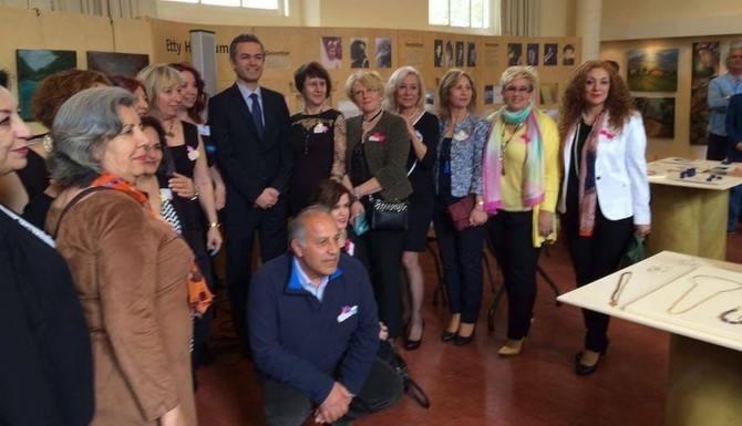 Ressamlarımıza Hollanda'da konsolos desteği